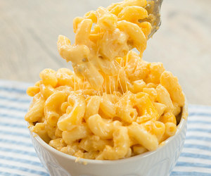food, cheese, and macaroni image