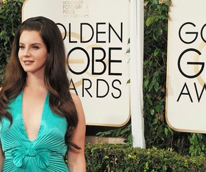 golden globe and lana del rey image