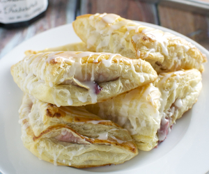 cream cheese, turnover, and puff pastry image