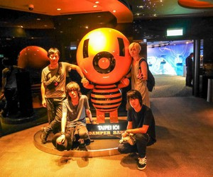 bump of chicken image