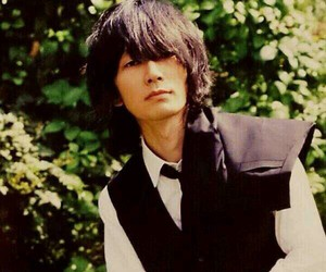 bump of chicken and 藤原基央 image