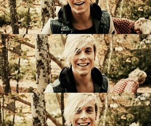 r5, riker lynch, and smile image