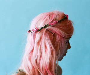 girl, love, and hair image