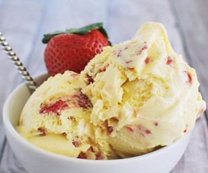 ice cream and strawberry image
