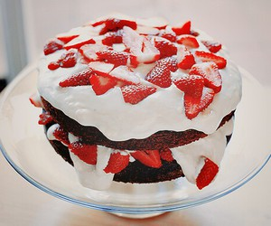 cake, yum, and candles image