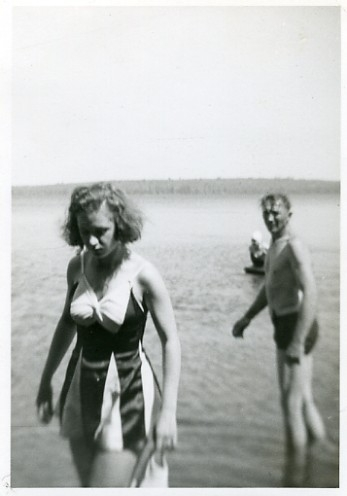 b&w, vintage, and beach image