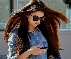 selena gomez, hair, and selenator image