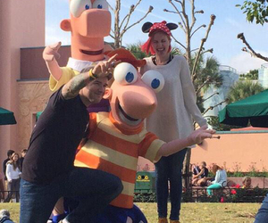 paramore, phineas y ferb, and hayley y chad image