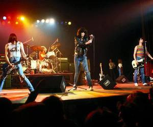 concert, dee dee ramone, and Joey image
