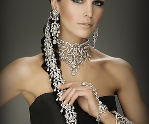 hair and jewelry image