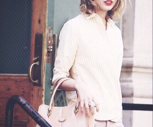 taylor, candid, and new york city image