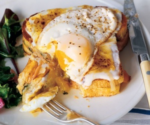 breakfast, cafe da manha, and eating image