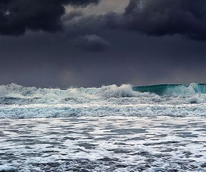 sea, waves, and beach image