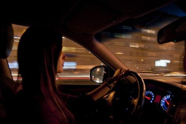 Картинки девушка за рулем ночью без лица