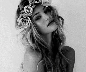 black and white, flowers, and cute image