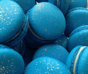 blue, macaroons, and sweet image