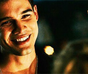 patch, smile, and steven strait image