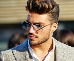 mariano di vaio and model image