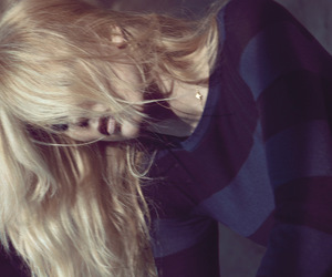 blond hair, Claudia Schiffer, and fashion image