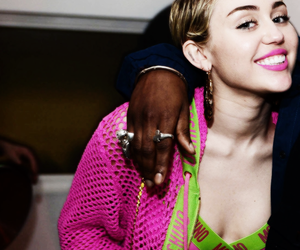 miley cyrus and Queen image