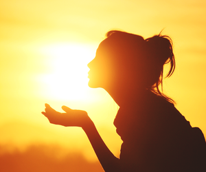 girl, sun, and sunset image