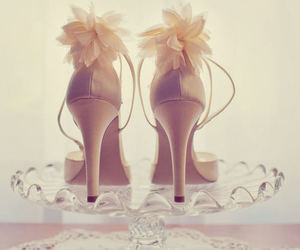 fashion, glass, and pretty image