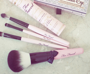makeup, chanel, and pink image