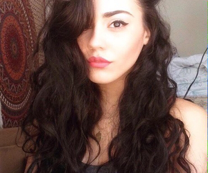 curls, eyeliner, and orionnichole image
