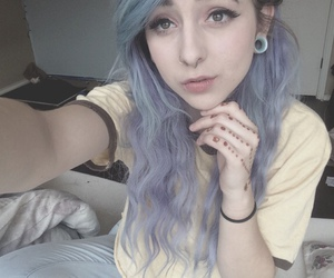 alt girl, dyed hair, and pastel image