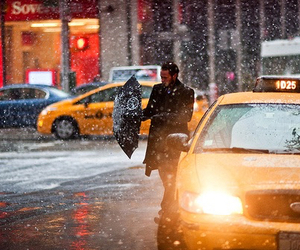 new york, snow, and taxi image