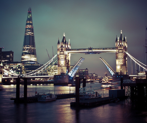 london, night, and city image