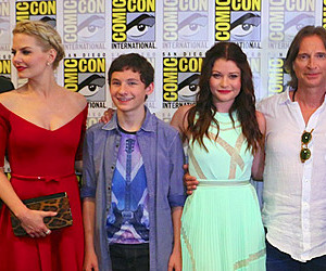 bella, Emilie de Ravin, and Jennifer Morrison image