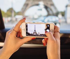 paris and iphone image