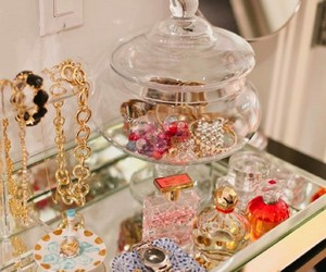 jewelry, bedroom, and perfume image