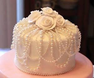 wedding cake and ladysuzanne image