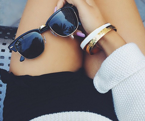 accessories, bracelets, and shorts image