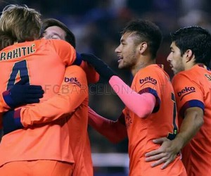 rakitic, lionel messi, and messi image