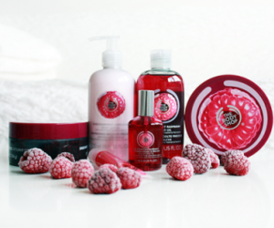 raspberry, the body shop, and beauty image