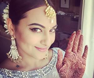 sonakshi sinha, beautiful, and bollywood image