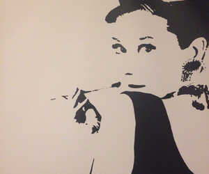 audrey hepburn, beauty, and Breakfast at Tiffanys image
