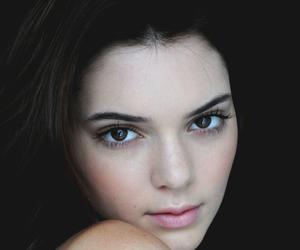 beauty, sexy, and kardashians image