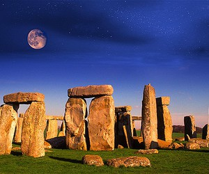 stone and stonehenge image