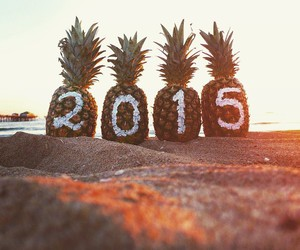 2015 and beach image