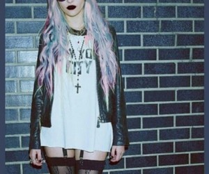 grunge, Taylor Momsem, and pastel hair image