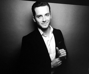 actor, Hot, and jesse lee soffer image