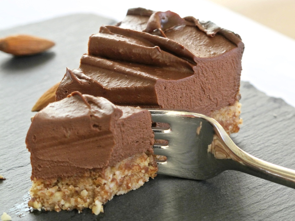 almond, cheesecake, and raw image
