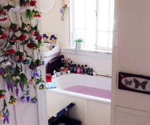 bath, home, and flowers image