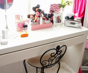 bedroom, make up, and makeup image