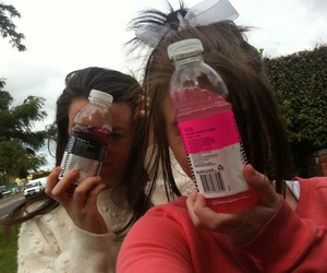 girl, friends, and vitamin water image