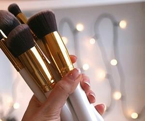fashion, makeup, and Brushes image